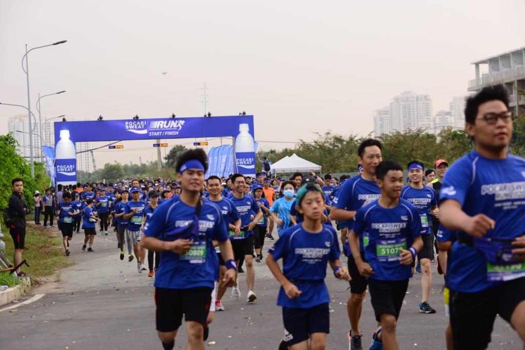 tổ chức chạy marathon 16