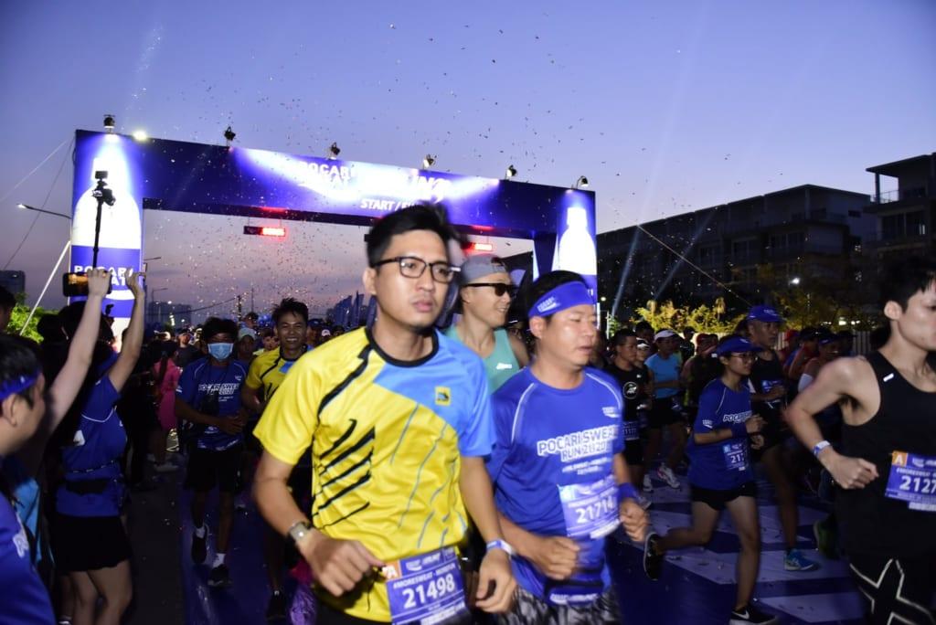 tổ chức chạy marathon 19