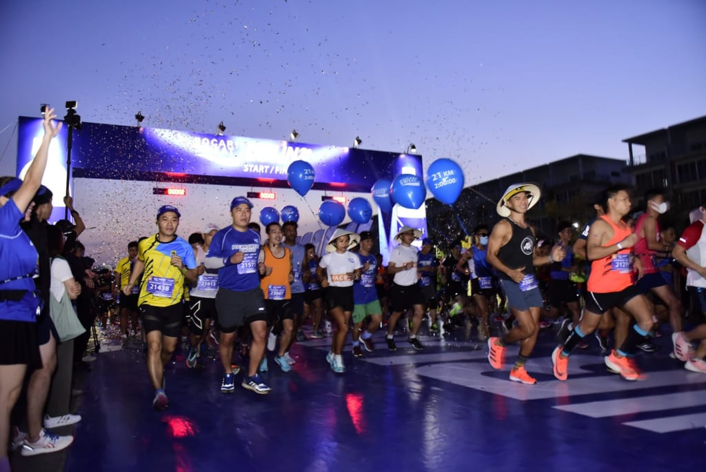 tổ chức chạy marathon 2 1